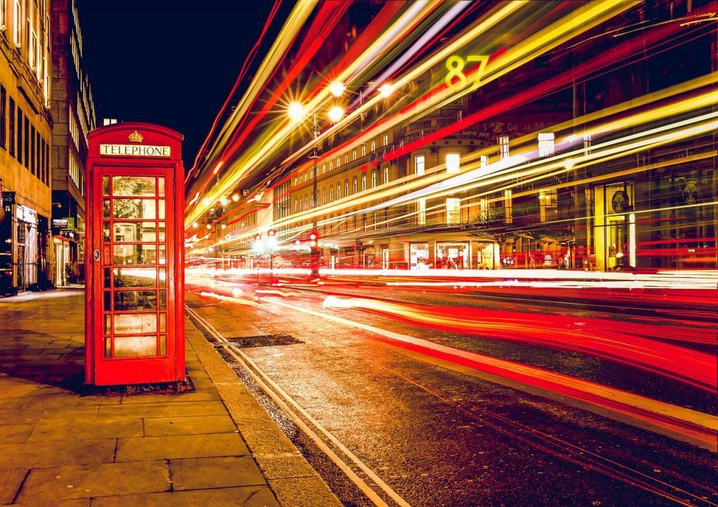 Czym różni się język angielski w Stanach Zjednoczonych od języka angielskiego stosowanego na Wyspach Brytyjskich?